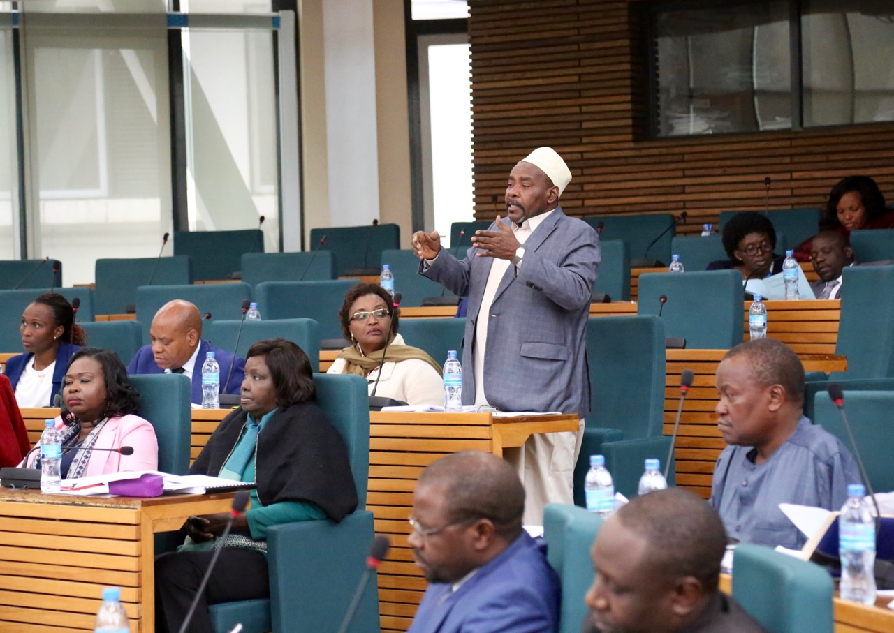 Hon Mohammed Mnyaa gestures as he makes his statement during the debate on the Budget space.